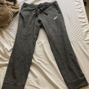 Never worn size large Nike jogger